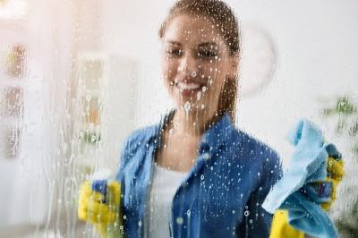 Jaki płyn wybrać do mycia okien?
